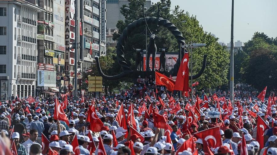 ŞUTSO MECLİS ÜYELERİ 'TERÖRE HAYIR, KARDEŞLİĞE EVET' YÜRÜYÜŞÜNE KATILDI